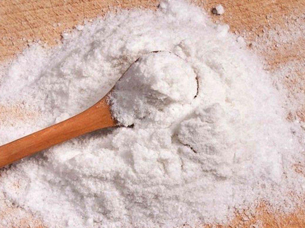 Bicarbonatul de sodiu albește dinții