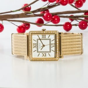 Fii atent/ă la aceste detalii atunci când porți un ceas de mână