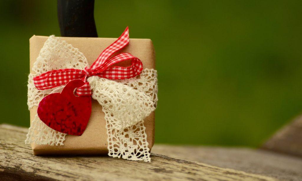 8 Martie: 3 idei de cadouri pe care sa le oferi de ziua femeii